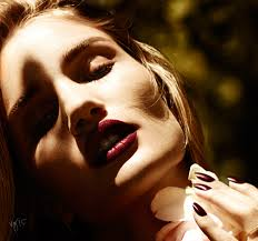 Rosie Huntington Whiteley Shares Her Beauty Secrets VIOLET GREY