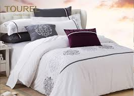 300tc satin hotel quality bed linen custom embroidery hotel duvet cover sets