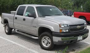 File:2005 Chevrolet Silverado 2500HD.jpg - Wikimedia Commons