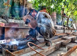 chicago area trade schools welding school hvac school why aws certification is necessary for welders