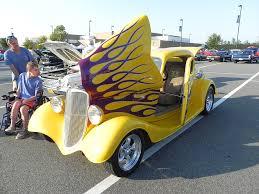 classic car on a car show1