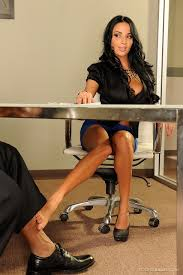 Shaved Anissa Kate with Nice Feet Wearing Heels Image Gallery.