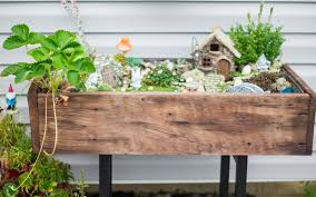 how to put together a elevated gnome or fairy garden