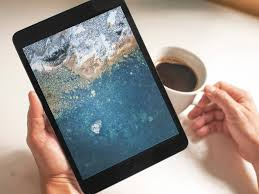 this past tuesday everyone was able to get their hands on the new ipad pro devices these impressive new machines are even geekbenching as high as some