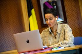 Meline Arakelian (@melinearakelian)