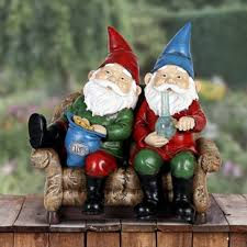 gnomes smoking pot statue