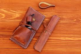 mbg by hristo voyvodov leather pipe pouch 08