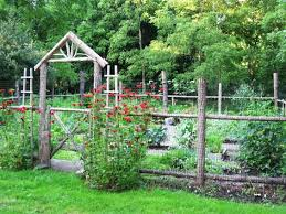 easy garden fence. 15 Super Easy DIY Garden Fence Ideas You Need To Try