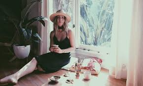 meet amanda chase of ōshen creative and coconut yoga in west hollywood