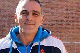 Julio Villalobos Florido es un malagueño de 43 años del barrio de Portada Alta que permanece desde hace mes y medio en el módulo de preventivos reincidentes ... - articulos-2012120102
