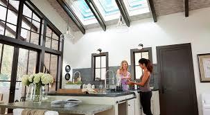 É uma técnica utilizada para permitir que a luz natural penetre no ambiente por meio de pequenas ou grandes aberturas criadas na. 4 Tipos De Iluminacao Natural Para Sua Casa Urbanes