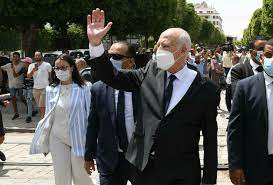 """تونس: إجراءات الرئيس قيس سعيّد """"الاستثنائية"""" تؤجج المخاوف والقلق في الأوساط  السياسية والقضائية"""