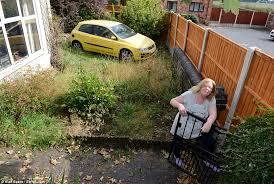 neighbour built 6ft barrier