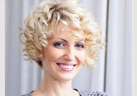 simple guide on short hairstyles for older women video