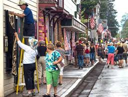 Thousands turn out for quilt show - Nugget Newspaper - Sisters ... & Quilt rescuers sprang into action when rain hit. photo by Gary Miller Adamdwight.com