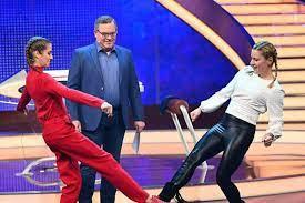 Wer die show jedoch verpasst, kann sich die wiederholung am mittwoch. Schlag Den Star Stefanie Hertel Siegt Gegen Cathy Hummels Gala De