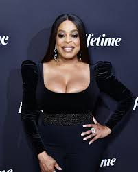 Niecy Nash Gets Married to Jessica Betts: See Wedding Photo