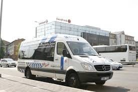 5 reasons to choose airport shuttle service