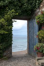 looking out door. 20 Charming Homes With Enviable Entryways Covered In Flowers Looking Out Door I