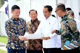 Sukanto tanoto is a dynamic personality, visionary and pioneer in a number of industries in indonesia. Asia Pacific Rayon Inaugurated By President Joko Widodo Inside Rge