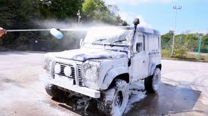 BE <b>Pressure Snow Foam Lance</b> In Action - Cleaning a Land Rover ...
