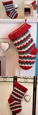 Home made zigzag Christmas Stocking  free crochet pattern!