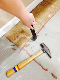 How To Remove Kitchen Tiles How To Remove Tile Without It Breaking Bexbernard