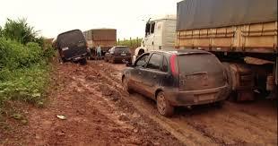 Resultado de imagem para carros atoladas na trascerrado piauii