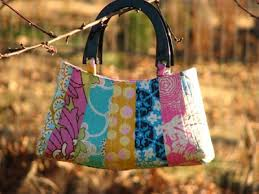 25 DIY Quilted Handbags | Guide Patterns & Quilted Fabric Handbag Adamdwight.com