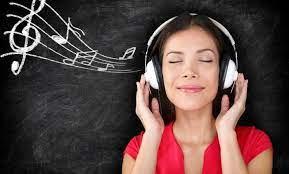 Namun, sebenarnya apakah belajar sambil mendengarkan musik berpengaruh efektif ? 5 Tips Ini Bantu Kamu Cepat Menghafal Lagu Lagu Berbahasa Inggris