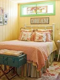 Dreamy Vintage Bedroom Design For Girls