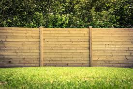 outdoor pine wood privacy horizontal fencing