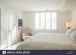 Alle Weißen Sonnig Hell Schaufenster Master Schlafzimmer Usa