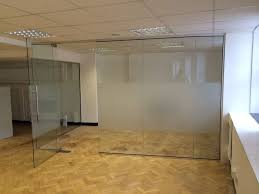 corner room glass partition