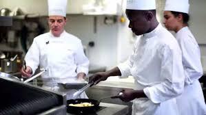 Suivez Les Cours De Cuisine De Lécole Ferrandi Devant Votre Ordi
