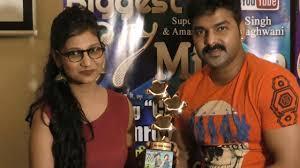 Priyanka Singh Get Award By Pawan Singh For Song Chhalakata Hamaro Jawaniya  - YouTube
