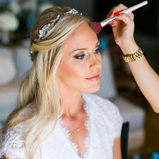 how to ensure that your hair and makeup schedules stay on time and stress free