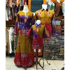 Anak memang masih belum mengerti tentang pakaian, maka sebagai orang tua tentunya sangat wajib untuk memilihkan pakaian yang cocok untuk digunakan sang anak. Seragam Keluarga Gamis Sasirangan Anak Usia 7 Tahun 14 Tahun Shopee Indonesia