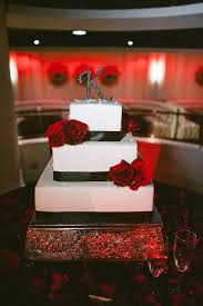 Wedding Cake With Red Roses Live What You Love