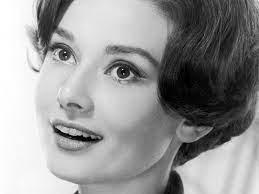 Audrey Hepburn Short haarstils Audrey ...