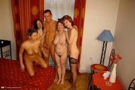 Mature nude sex party vids