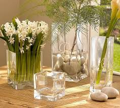 flower vases enhances the glamour quotient of your room