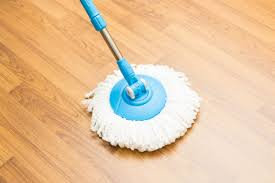 how to clean vinyl floors mop