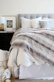 how to make a perfectly cozy bed