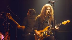 Motorhead guitarist Fast Eddie Clarke dies aged 67 | Ents & Arts News | Sky  News