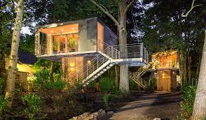 urban treehouse in berlin via urlaubsarchitektur