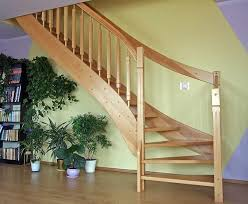 Wir sind in polen ansässig und bieten montage vor ort. Holztreppen Aus Polen Gunstige Treppen Nach Mass Bequeme Treppe