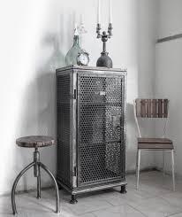Alter Werkstattschrank Metall Eisenschrankindustrieschrank