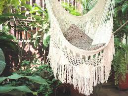choosing a hammock chair for your backyard