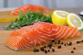 Cách nấu cá hồi áp chảo cho bé ăn dặm thơm ngon khó cưỡng